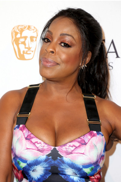 Niecy Nash swept her hair back into a casual ponytail for the BAFTA Los Angeles TV Tea Party.