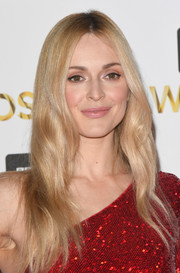 Fearne Cotton went for hippie glamour with this long center-parted hairstyle at the BBC Music Awards.