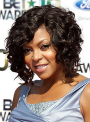 Taraji Henson showed off her medium curls while hitting the red carpet at the BET Awards.