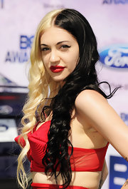Porcelain Black wore her bold bi-colour locks in long ringlets at the 2011 BET Awards in LA.