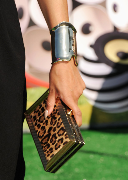 Keri Hilson gave her BET Awards look an exotic edge with a  Ridged Rectangle leopard print minaudiere.