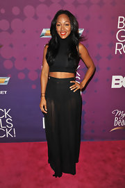 Meagan Good dared to bare—her killer abs, that is—in this fitted crop top.
