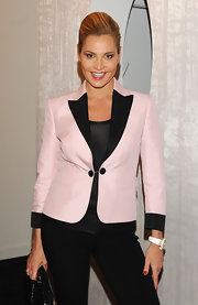 Simona Ventura oozed sophistication in a pink blazer with black lapels and cuffs.
