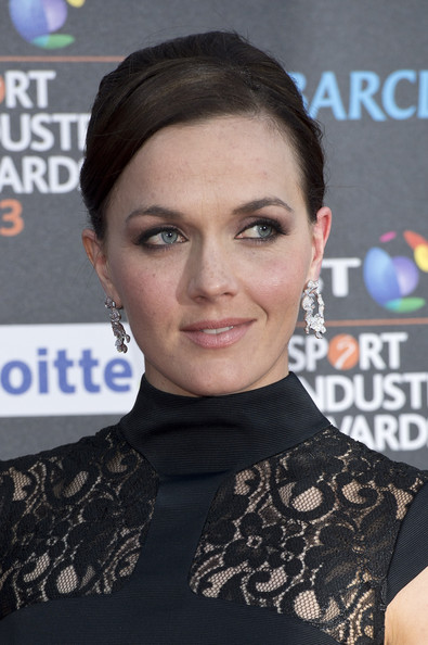 More Pics of Victoria Pendleton Bobby Pinned updo (1 of 5) - Bobby Pinned updo Lookbook - StyleBistro