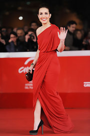 Noomi Rapace paired her red gown with simple yet chic black platform pumps when she attended the 'Babycall' premiere.