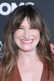 Kathryn Hahn wore wavy layers with parted bangs at the New York premiere of 'Bad Moms.'