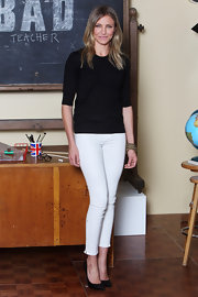 "Cameron wore a pair of ""Major"" high-rise twill pants in Vintage Starship for the 'Bad Teacher' photo call."