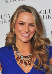 Shantel VanSanten certainly made a statement on the red carpet with a glistening gemstone necklace.