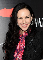 L'Wren Scott wore her long hair in a lovely cascade of curls during the launch of her collection with Banana Republic.