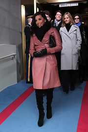 Eva was perfection at the inauguration ceremony wearing this pale pink leather coat with her all-black ensemble.