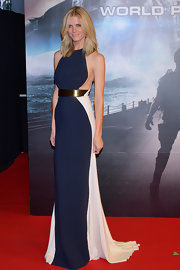 Brooklyn Decker looked sleek in this two-toned figure-flattering dress at the 'Battleship' premiere in Japan.