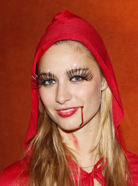 Beatrice Borromeo False Eyelashes [lip,hair,face,eyebrow,red,beauty,nose,head,chin,forehead,beatrice borromeo,sales,la posta vecchia,italy,ladispoli,bloody halloween party]