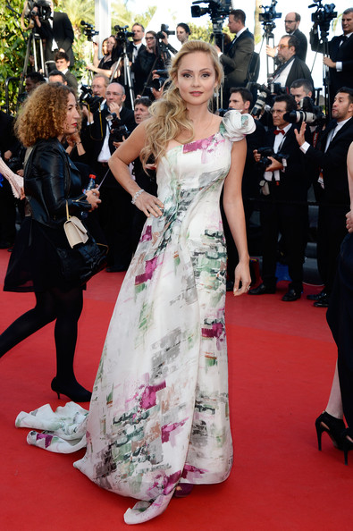 Beatrice Rosen One Shoulder Dress [red carpet,carpet,dress,premiere,flooring,clothing,event,gown,fashion,public event,cannes,france,the 60th anniversary theatre,cleopatra premiere - the 66th annual cannes film festival,premiere,cannes film festival,cleopatra,beatrice rosen]