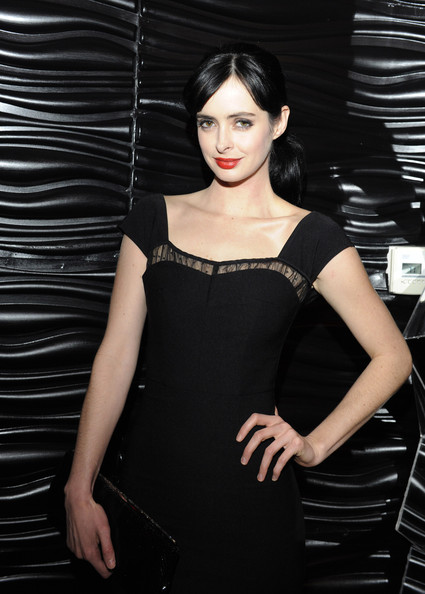 More Pics of Krysten Ritter Red Lipstick (1 of 25) - Red Lipstick Lookbook - StyleBistro