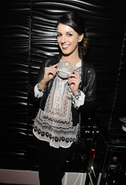 More Pics of Shenae Grimes Ponytail (4 of 32) - Shenae Grimes Lookbook - StyleBistro