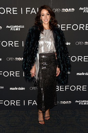 Jennifer Beals finished off her outfit with a paillette-embellished maxi skirt, also by Rohit Gandhi + Rahul Khanna.