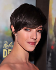 Olivia Thirlby arrived at the 'Being Flynn' screening wearing neutral brown shades of eyeshadow.