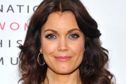 Bellamy Young Medium Curls