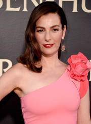 Ayelet Zurer wore her hair in vintage-glam waves at the LA premiere of 'Ben-Hur.'