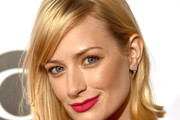 Beth Behrs Medium Straight Cut