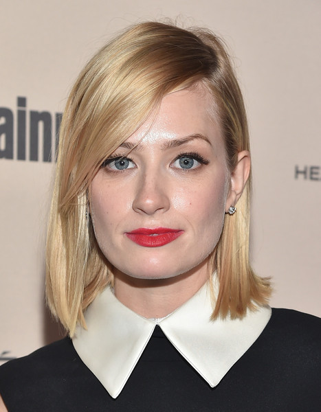 Beth Behrs Side Parted Straight Cut