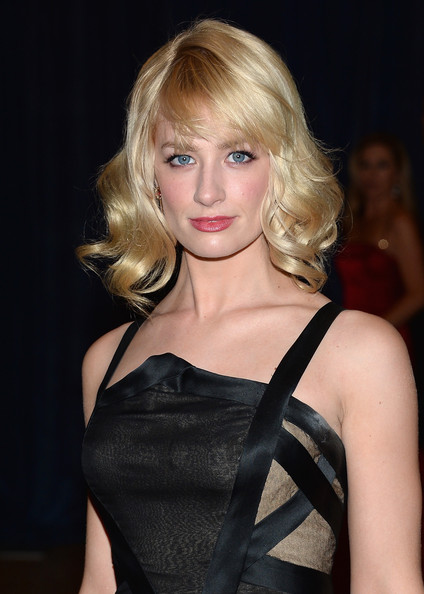 Beth Behrs Medium Wavy Cut with Bangs