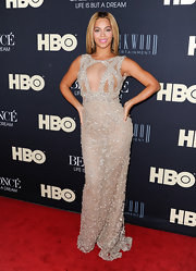 The combination of Elie Saab Couture and Beyonce is too glam to handle! The diva rocked this beaded mesh design at the NY premiere of her HBO doc.
