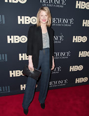 A loose blazer completed Mamie Gummer's flowy but sophisticated look on the red carpet.