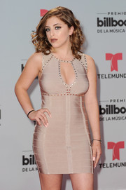 Baby Ariel matched her beige dress with neutral nail polish for the 2017 Billboard Latin Music Awards.