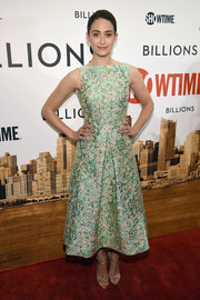 Emmy Rossum was wonderful in wovens a the 'Billions' series premiere in a green dress with brocade details.