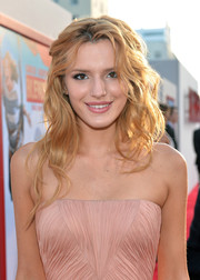 Bella Thorne rocked messy-gorgeous waves at the premiere of 'Blended.'