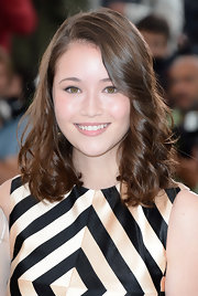 Katie Chang's lovely waves had a soft and effortless sheen to them on the red carpet!