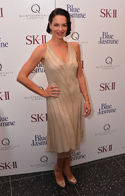 Tammy's nude beaded shift dress totally encompassed her flapper-inspired look.