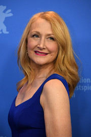 Patricia Clarkson sported a gently wavy hairstyle at the Berlinale photocall for 'The Bookshop.'
