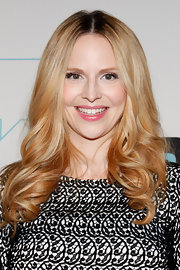 Rosie Pope looked glamorous at Bravo Upfront 2012 wearing her long tresses in soft smooth curls.
