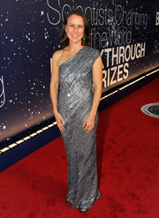 Anne Wojcicki dazzled in a fully sequined one-shoulder gown during the Breakthrough Prize Awards.