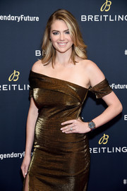 Kate Upton accessorized with an oversized blue watch by Breitling at the #LEGENDARYFUTURE Roadshow.