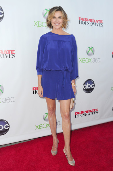 Brenda Strong Slingbacks [series finale,desperate housewives,clothing,shoulder,red carpet,cobalt blue,dress,cocktail dress,electric blue,carpet,joint,fashion,brenda strong,w hollywood,hollywood,california,abc]