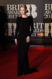 Iggy Azalea looked striking in this streamlined black gown with strong shoulders. We loved the simple elegance of her chignon and those killer talons.