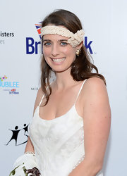 Tiffany Siart accessorized with a frilly beige headband for her 1920s-inspired look during the BritWeek Celebrates Downton Abbey event.