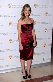 Joanne Froggatt showed off her satin strapless dress while attending the British Craft Awards.