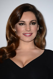 Silky retro waves (paired with some serious va-va-voom cleavage) gave Kelly Brook a cute pin-up girl vibe.