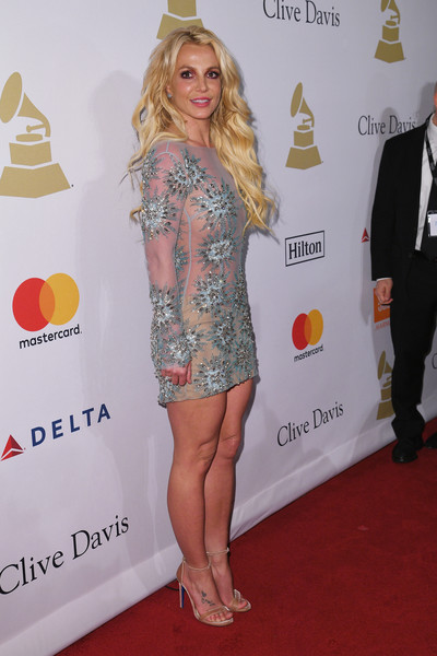 Britney Spears Gemstone Ring [clothing,red carpet,carpet,dress,blond,yellow,hairstyle,cocktail dress,fashion,leg,britney spears,debra lee - arrivals,debra lee,salute to industry icons,california,los angeles,the beverly hilton,pre-grammy gala]