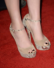 Miranda Cosgrove chose a nude suede platform pump with cool snakeskin detailing for her look at the Critics' Choice Television Awards.