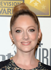 Judy Greer's twisted bun had a fun and flirty vibe to it on the red carpet.