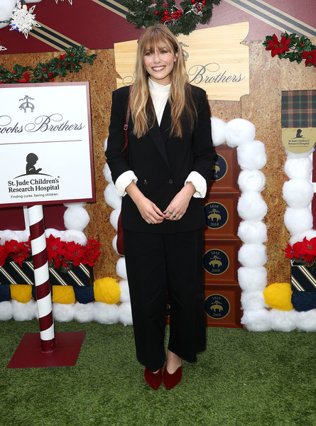 More Pics of Elizabeth Olsen Pumps (1 of 3) - Heels Lookbook - StyleBistro