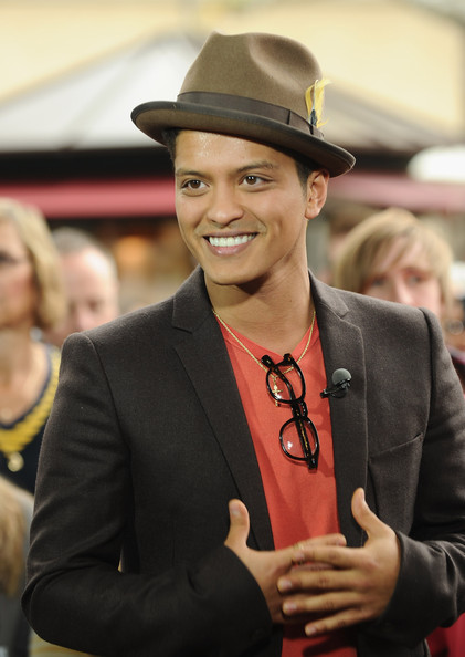#253 Koto! Bruno+Mars+Dress+Hats+Fedora+h6wxJlqXtaOl