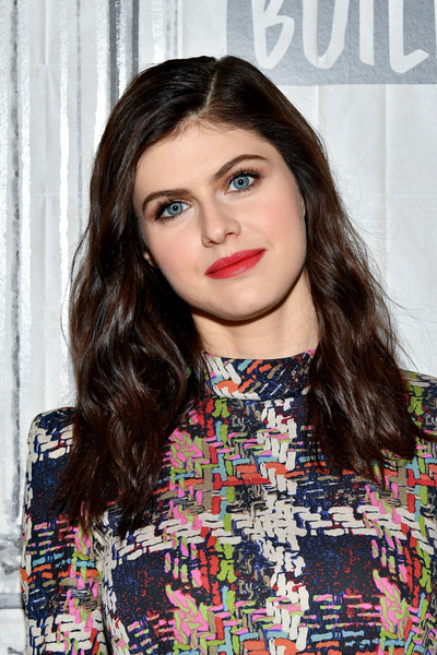 Alexandra Daddario sported a simple wavy 'do when she visited the Build Series.