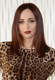 Chiara Francini attended a photocall for 'Buona Giornata' wearing her hair ultra-shiny and straight.