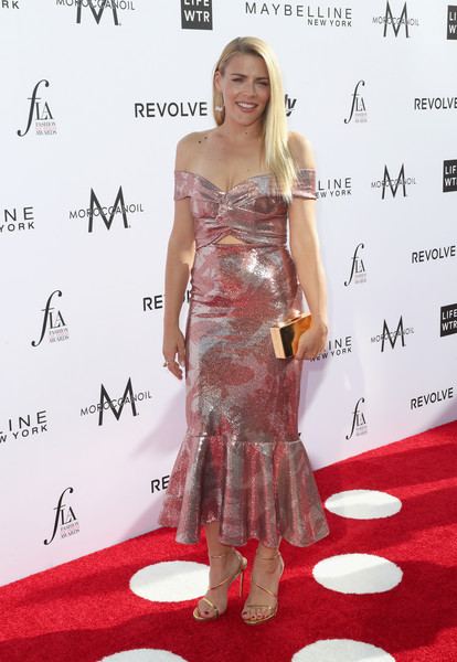 Busy Philipps Box Clutch [red carpet,clothing,carpet,dress,premiere,shoulder,fashion,cocktail dress,flooring,joint,arrivals,busy philipps,west hollywood,california,sunset tower hotel,daily front row,3rd annual fashion los angeles awards]